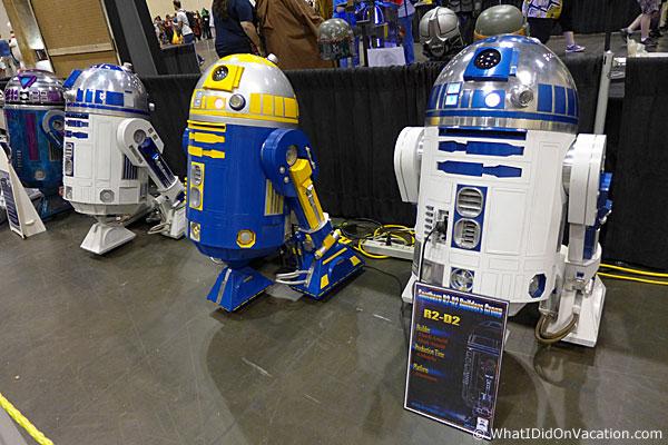 MegaCon R2D2 droids