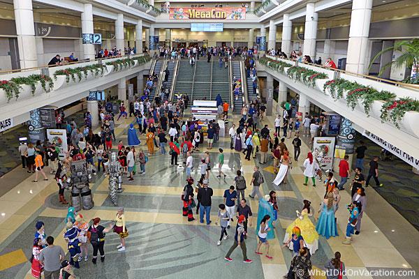 MegaCon 2015 convention center entrance