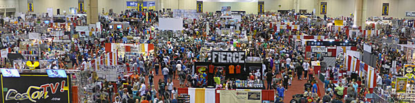 megacon panorama photo