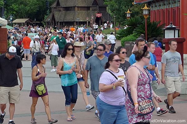 epcot food and wine festival crowd