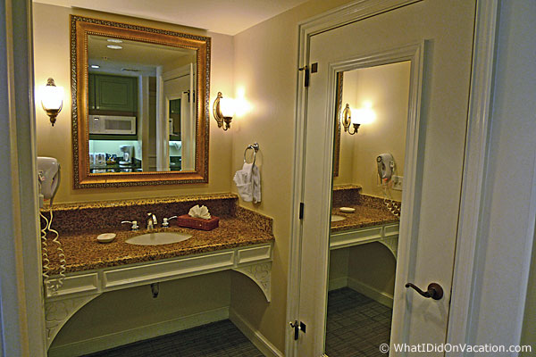 Disney S Saratoga Springs Resort Vacation The Deluxe Studio