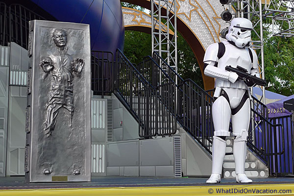 star wars characters on main stage