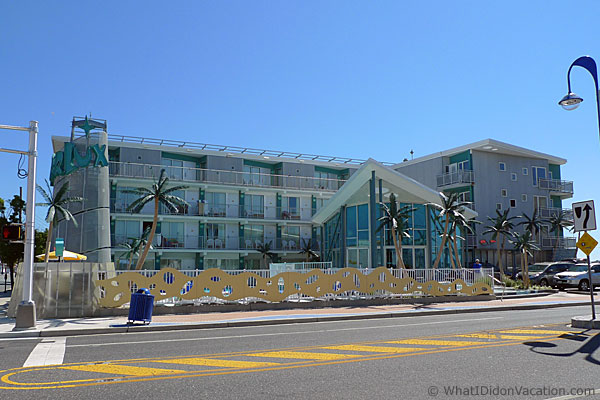 Wildwood Starlux motel