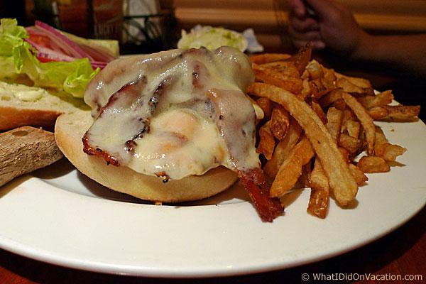 Lucky Bones burger